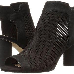 Vince Camuto Jakayla Leather Open Toe Sandals